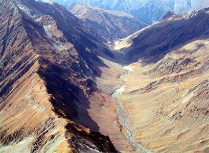 Mondlandschaft auf der 46 km Strecke von Billing nach Manali