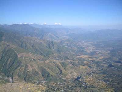 15:38 h am 13. Oktober 2003 im Anflug auf Bir mit Blick nach Südosten