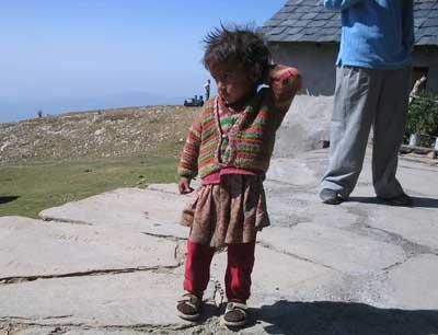 Die Kleine gehört zum Teehaus in Billing